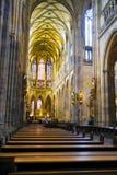 Intérieur de St Vitus Cathedral dans le château de Prague image stock
