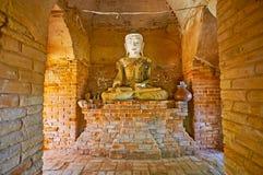 Intérieur de tombeau dans la pagoda de Daw Gyan, Ava photos stock