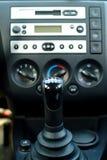 Intérieur de véhicule, changement de vitesse Photos libres de droits
