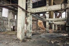 Intérieur du moulin à papier de vieil abandon Kalety - en Pologne, Silésie p Photos stock