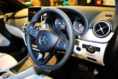 Intérieur de voiture de Mercedes-Benz sur l'affichage pendant le Singapour Motorshow 2016 Photographie stock