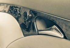 Intérieur de voiture de panneau de porte Photographie stock libre de droits