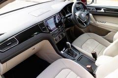Intérieur de Volkswagen Golf Sportvan 2018 photos stock