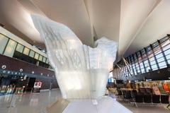 Intérieur du bâtiment moderne de l'aéroport de Lech Valesa Photo stock