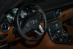 Intérieur du coupé de Mercedes-Benz SLS AMG de voiture de sport, 2012 Image libre de droits