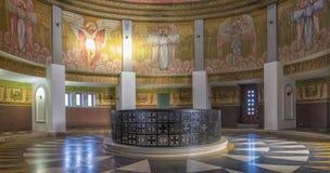 Intérieur du mausolée de Marasesti Images stock