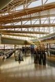 Intérieur du terminal D à l'aéroport international de McCarran Images stock
