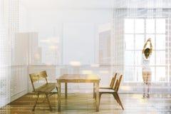 Intérieur en bois de salle à manger de table, femme Images libres de droits