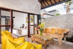 Intérieur et salon spacieux de villa Image stock