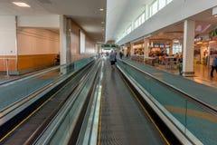 Intérieur européen moderne d'aéroport au temps de jour Photographie stock