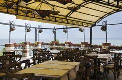 Intérieur extérieur de café de mer Photographie stock libre de droits