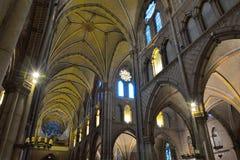 Intérieur incroyable d'une église chrétienne médiévale Photos libres de droits