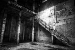 Intérieur industriel abandonné photos stock