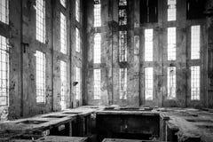 Intérieur industriel abandonné image stock