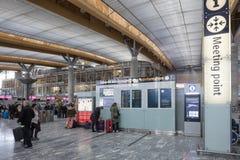 Intérieur lumineux d'aéroport d'Oslo Photos stock