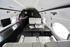 Intérieur luxueux du jet exécutif de Gulfstream G450 à Singapour Airshow image libre de droits