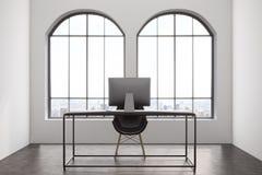 Intérieur moderne de bureau avec deux fenêtres illustration stock