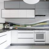 Intérieur moderne léger de cuisine Images libres de droits