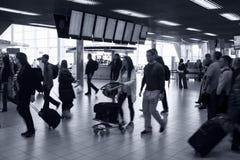 Intérieur occupé d'aéroport Photo libre de droits
