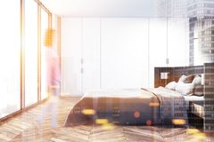 Intérieur panoramique de chambre à coucher modifié la tonalité Photographie stock libre de droits