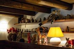 Intérieur pittoresque d'une maison de montagne Image stock