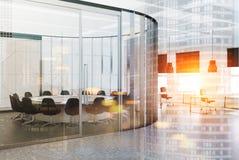 Intérieur rond blanc de lieu de réunion modifié la tonalité Photo libre de droits