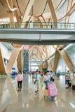 Intérieur spacieux d'aéroport de Kunming Changshui, Chine Images stock