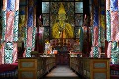 Intérieur tibétain de temple bouddhiste Photo stock