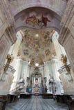 Intérieurs d'église de pèlerinage dans le village de Krtiny Image stock