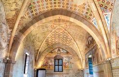 Intérieurs de forteresse Borromeo d'Angera ou de Rocca di Anger, hall de justice - Sala della Giustizia Est le château du lac Mag Images stock