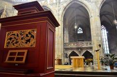 Intérieurs de la cathédrale de Prague images stock