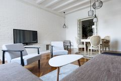 Intérieurs modernes, salon avec des meubles photographie stock libre de droits