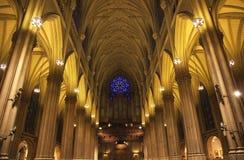 Intérieurs New York City de cathédrale de rue Patrick Images libres de droits