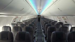 Int?rieur moderne de l'avion de ligne banque de vidéos