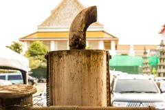 Intag av pumpen Arkivfoto
