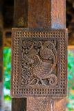 Intagli del legno antichi splendidi al tempio di Embekka a Kandy Fotografia Stock Libera da Diritti