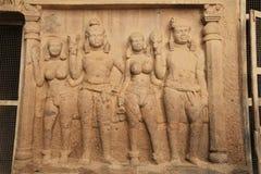 Intarsj rzeźby w głębokiej Buddyjskiej jamie obraz stock