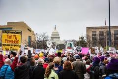 Inte min president - kvinnors mars - Washington DC Arkivfoton