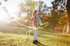 Integral de la muchacha que juega con la cometa Foto de archivo libre de regalías