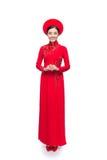 Integral de novia vietnamita en Ao rojo Dai Traditional Dress Fotografía de archivo