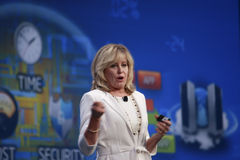 Intel vicepresident Diane Bryant royaltyfri fotografi
