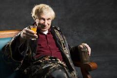 Intelektualny stary człowiek Fotografia Royalty Free