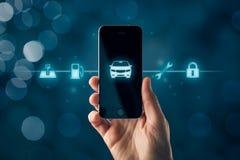 Inteligentny samochodowy m?drze telefonu app poj?cie obraz stock
