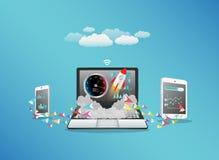 Intelligente Übertragungsdaten des Telefons und der Tablette des Laptops mit hallo Geschwindigkeitsinternet Stockbilder