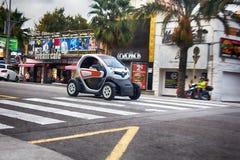 Intelligente Autos sind im Verbrauch des Brennstoffs und des Parkens wirtschaftlich renault stockfotos
