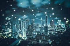 Intelligente Stadt und Radioapparat Lizenzfreies Stockbild