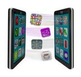 Intelligente Telefone, die APP-Software Syncing Meldungen teilen Lizenzfreies Stockbild