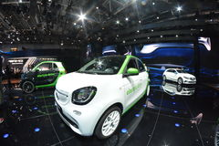 Intelligenter ForFour-Elektroantrieb lizenzfreie stockfotos