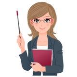 Intelligenter weiblicher Lektor, der mit Zeigerstock lächelt Stockbilder