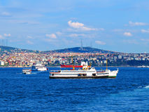 Intensief verkeer in Bosphorus stock foto's